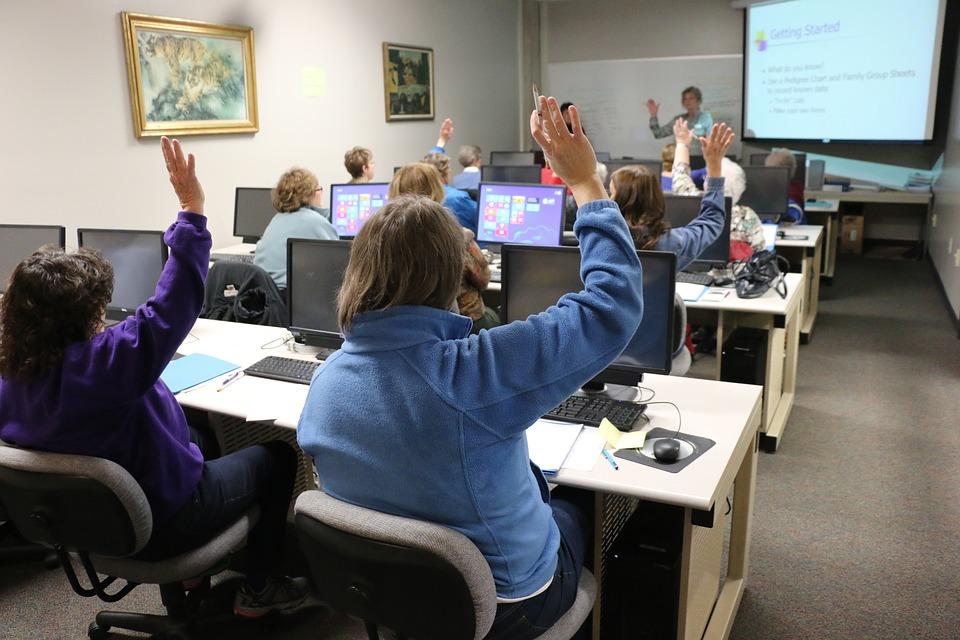 classroom-1189988_960_720